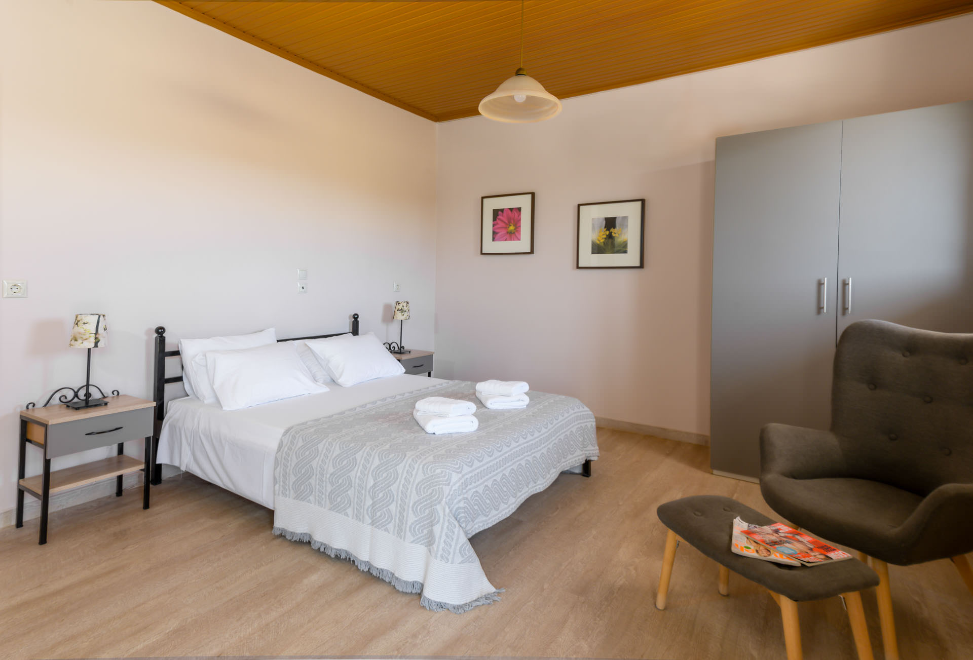 September weekly holiday package 455€  (includes accommodation + car)